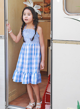 """<font color=#4bb999>* JKIDS 2017 S / S *</font> <br>サニーワンピース<br> <font color=""""#9f9f9f"""">*ゆらゆらシャーリングワンピース* <br> *お姫様のイトテム*</font>"""