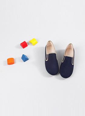 ボンボン靴